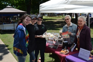 Red Fern Festival with Nancy Hartney, Karen Cooper and cupcakes